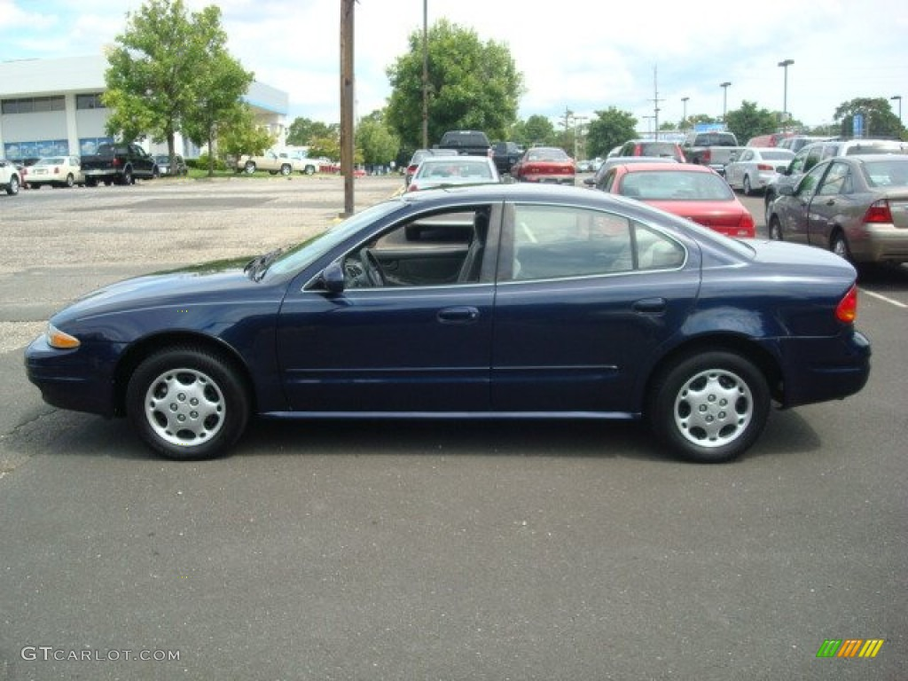 Midnight Blue Metallic 2001 Oldsmobile Alero Gl Sedan