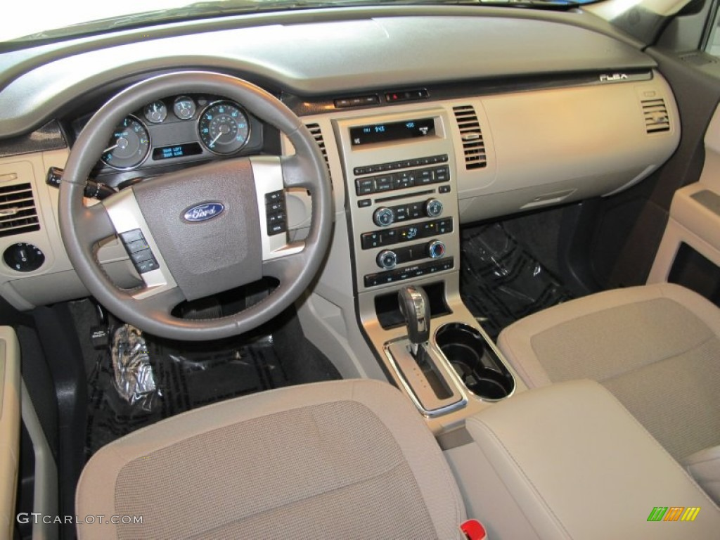 medium light stone interior 2010 ford flex se photo. Black Bedroom Furniture Sets. Home Design Ideas