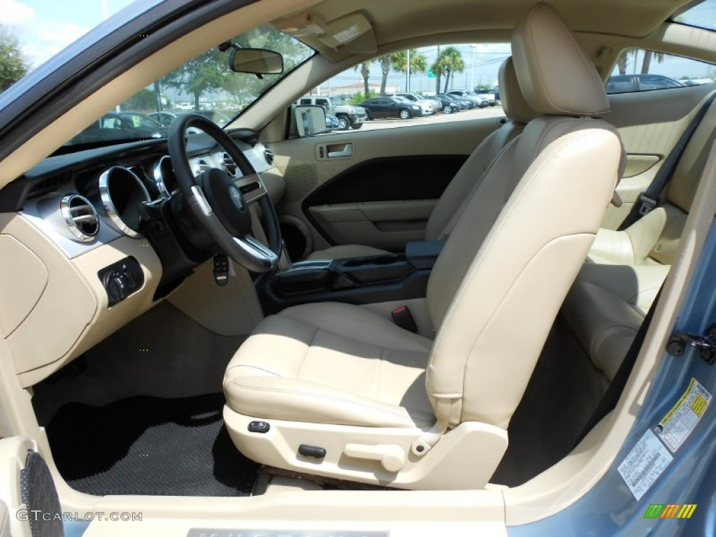 Light Parchment Interior 2006 Ford Mustang V6 Premium Coupe Photo #53384183