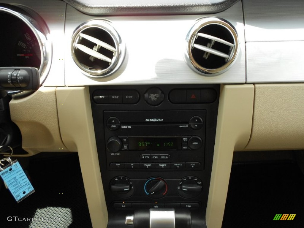 2006 Ford Mustang V6 Premium Coupe Controls Photo #53384291