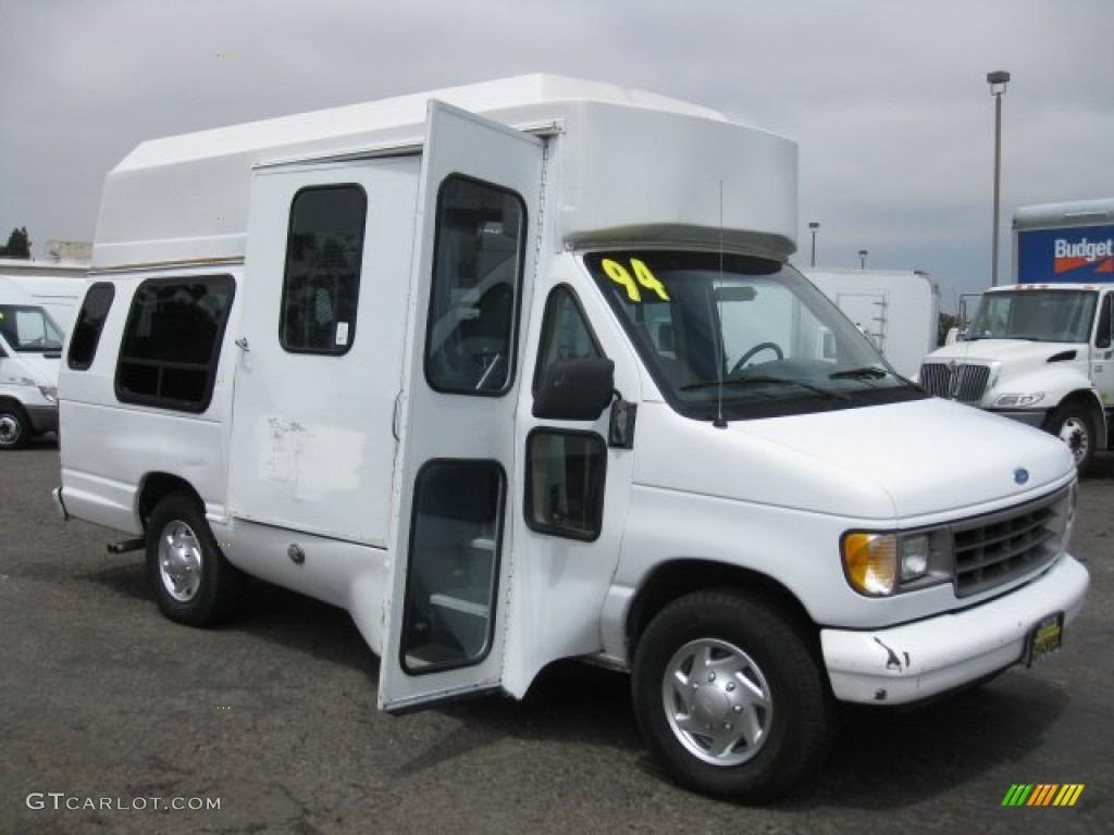 1994 White Ford Econoline E350 Passenger Bus 53364325  GTCarLot