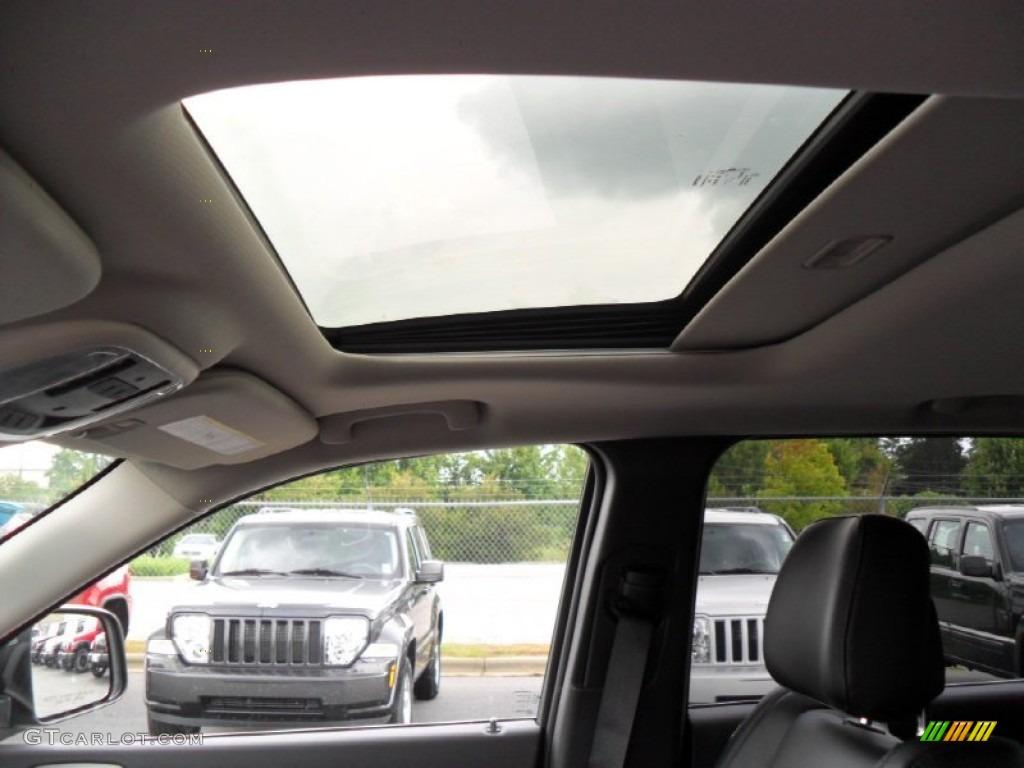2012 Jeep Grand Cherokee Laredo X Package 4x4 Sunroof