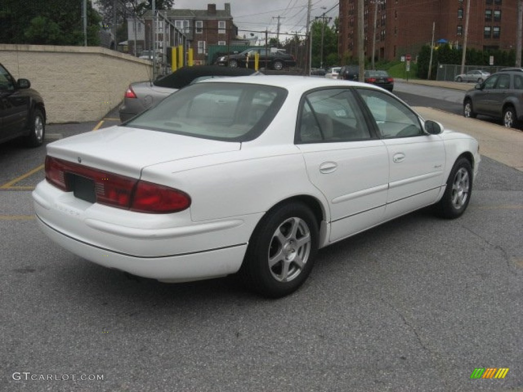 Bright White 2000 Buick Regal Ls Exterior Photo 53434468