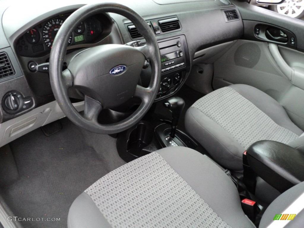 ford focus 2006 model interior