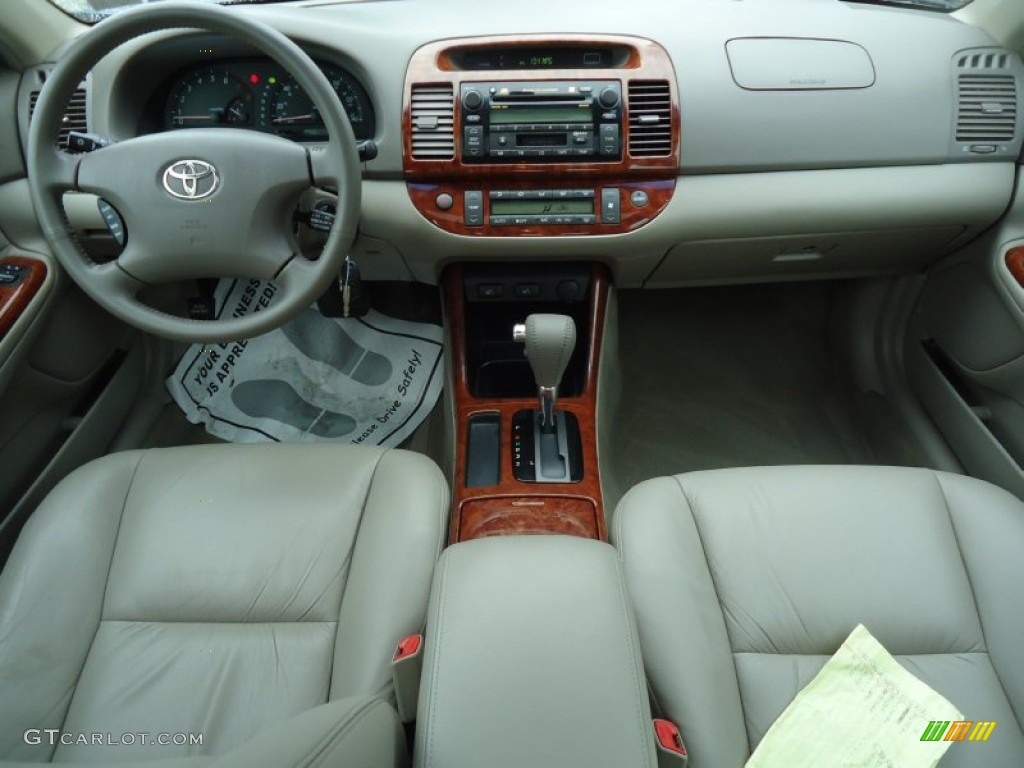taupe interior 2004 toyota camry xle v6 photo 53491556. Black Bedroom Furniture Sets. Home Design Ideas