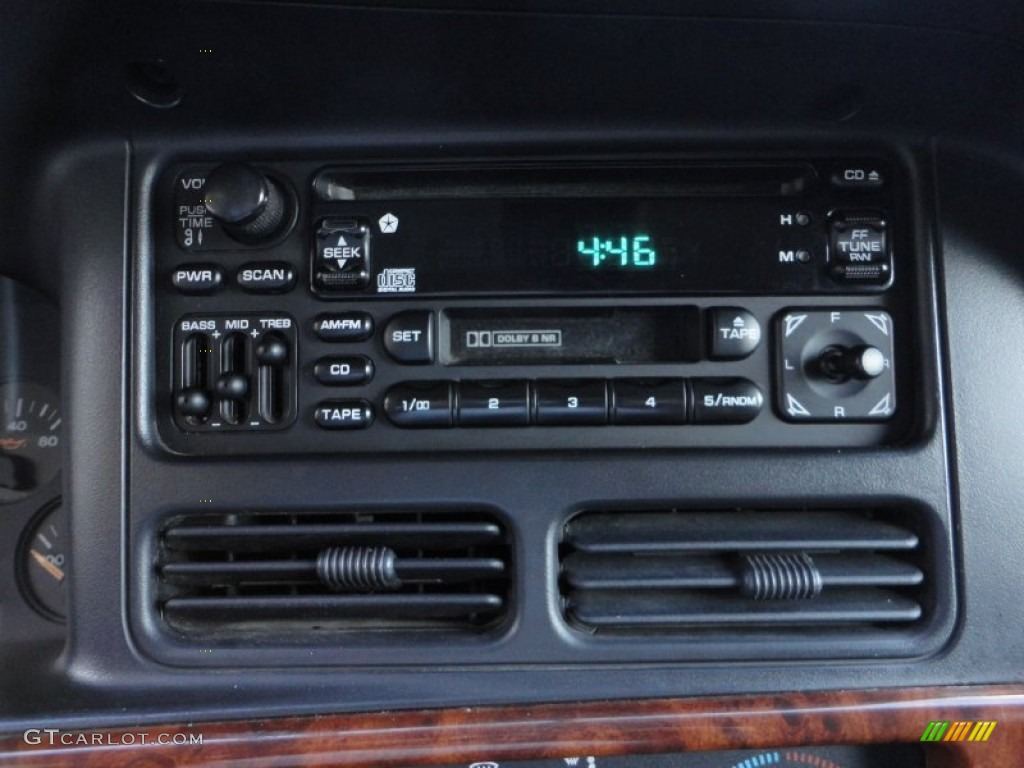1997 jeep grand cherokee laredo 4x4 audio system photo. Black Bedroom Furniture Sets. Home Design Ideas