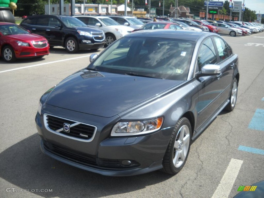 titanium grey metallic 2010 volvo s40 t5 r design exterior. Black Bedroom Furniture Sets. Home Design Ideas