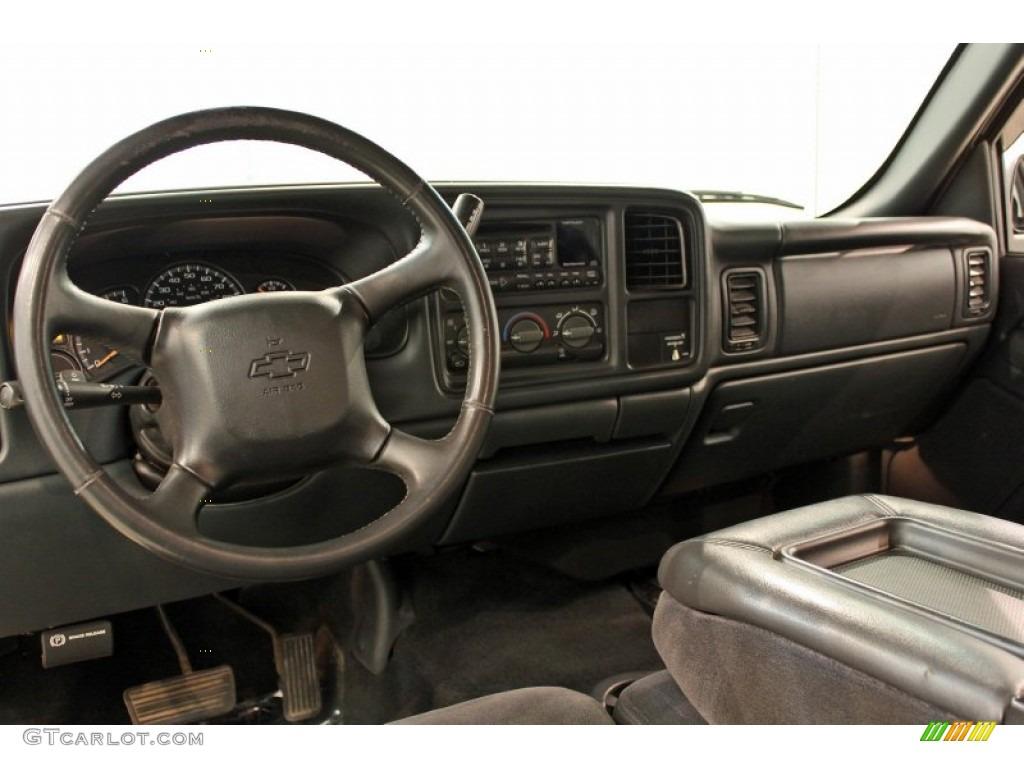 2002 Chevrolet Silverado 1500 LS Extended Cab 4x4 Graphite Gray Dashboard Photo #53545541