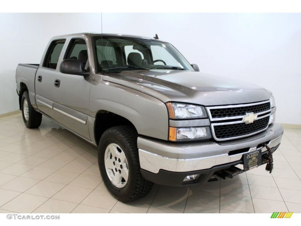 2006 Silverado 1500 LT Crew Cab 4x4 - Graystone Metallic / Dark Charcoal photo #1