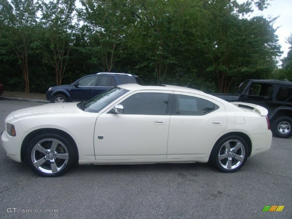 Cool Vanilla Clear Coat 2008 Dodge Charger Dub Edition