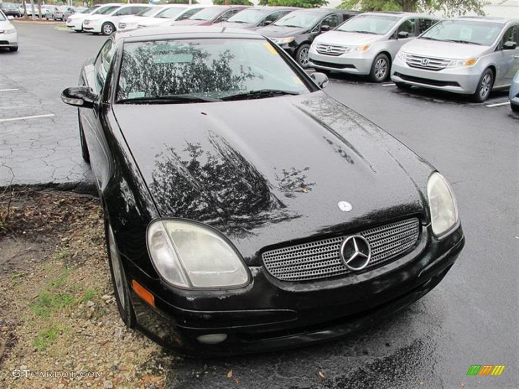 Black Mercedes-Benz SLK