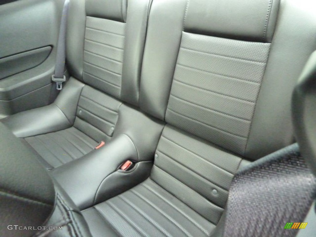 Dark Charcoal Interior 2006 Ford Mustang GT Premium Coupe Photo #53634483