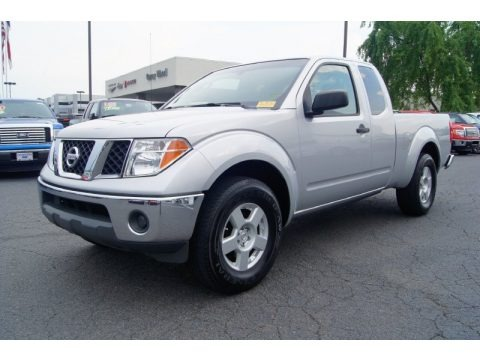 2005 nissan frontier se king cab data info and specs. Black Bedroom Furniture Sets. Home Design Ideas