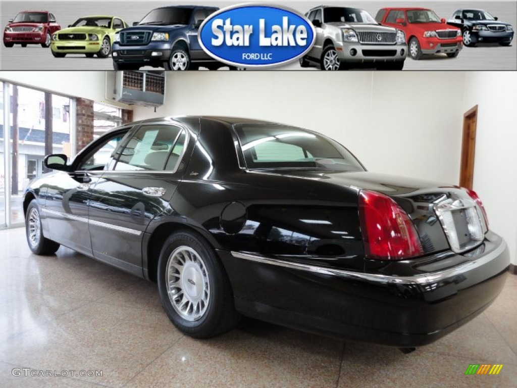 2000 black lincoln town car cartier 53673317 photo 4 car color galleries. Black Bedroom Furniture Sets. Home Design Ideas