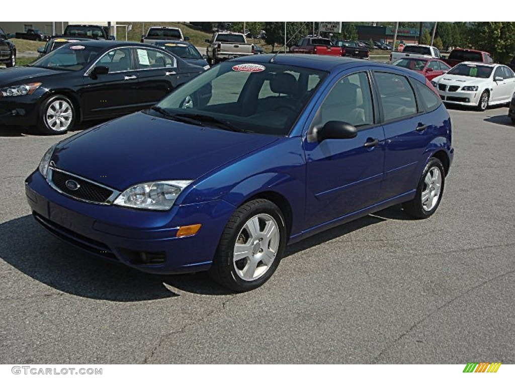 2006 sonic blue metallic ford focus zx5 ses hatchback. Black Bedroom Furniture Sets. Home Design Ideas