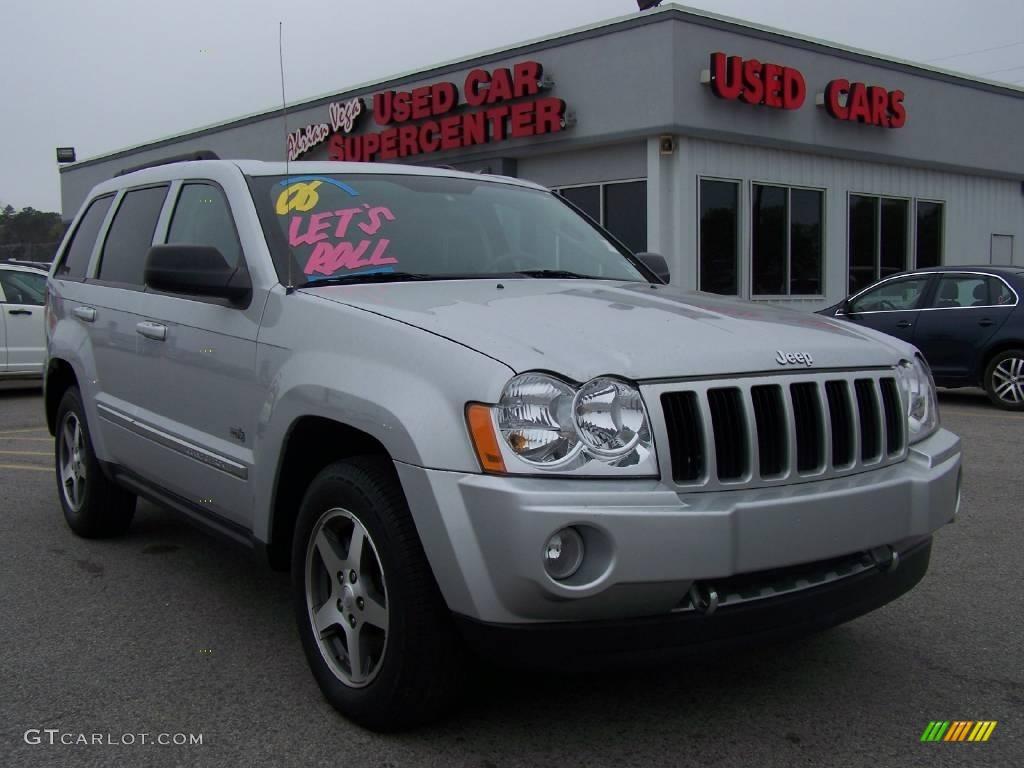 2006 Grand Cherokee Laredo 4x4 - Bright Silver Metallic / Medium Slate Gray photo #1