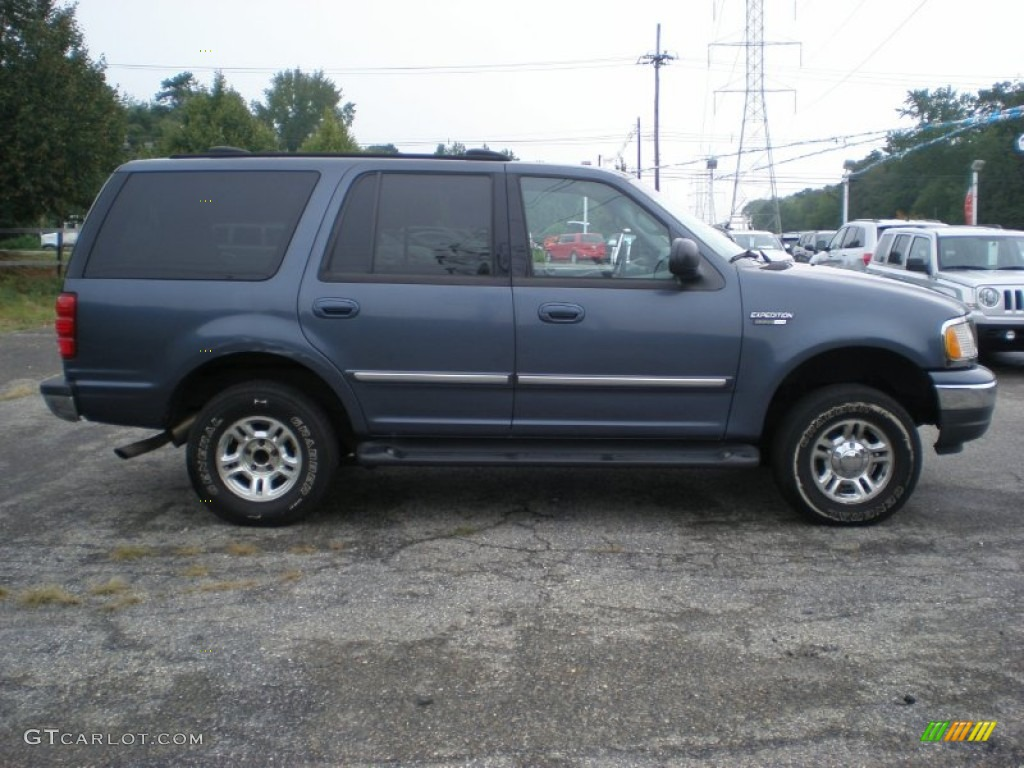Medium wedgewood blue metallic 2001 ford expedition xlt 4x4 exterior photo 53807212