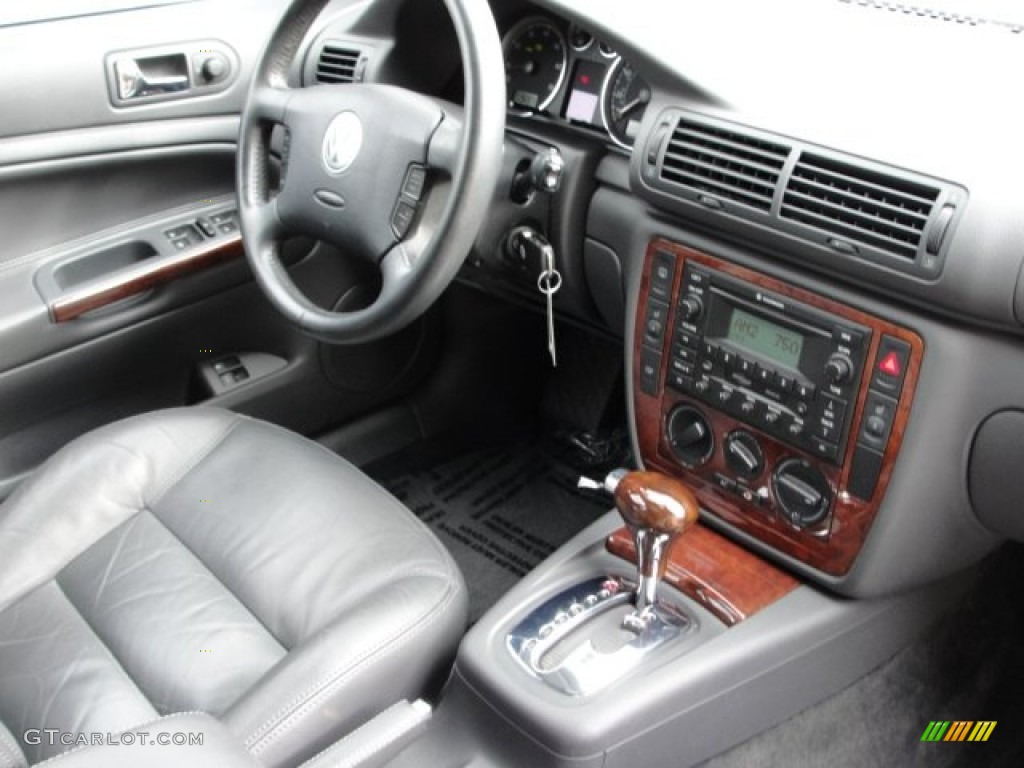 Anthracite Interior 2005 Volkswagen Passat Gls 1 8t Wagon Photo 53842293