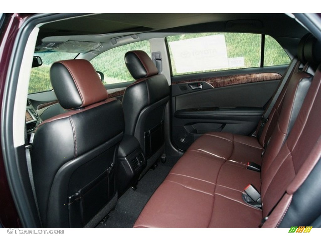 Black Bordeaux Interior 2011 Toyota Avalon Limited Photo