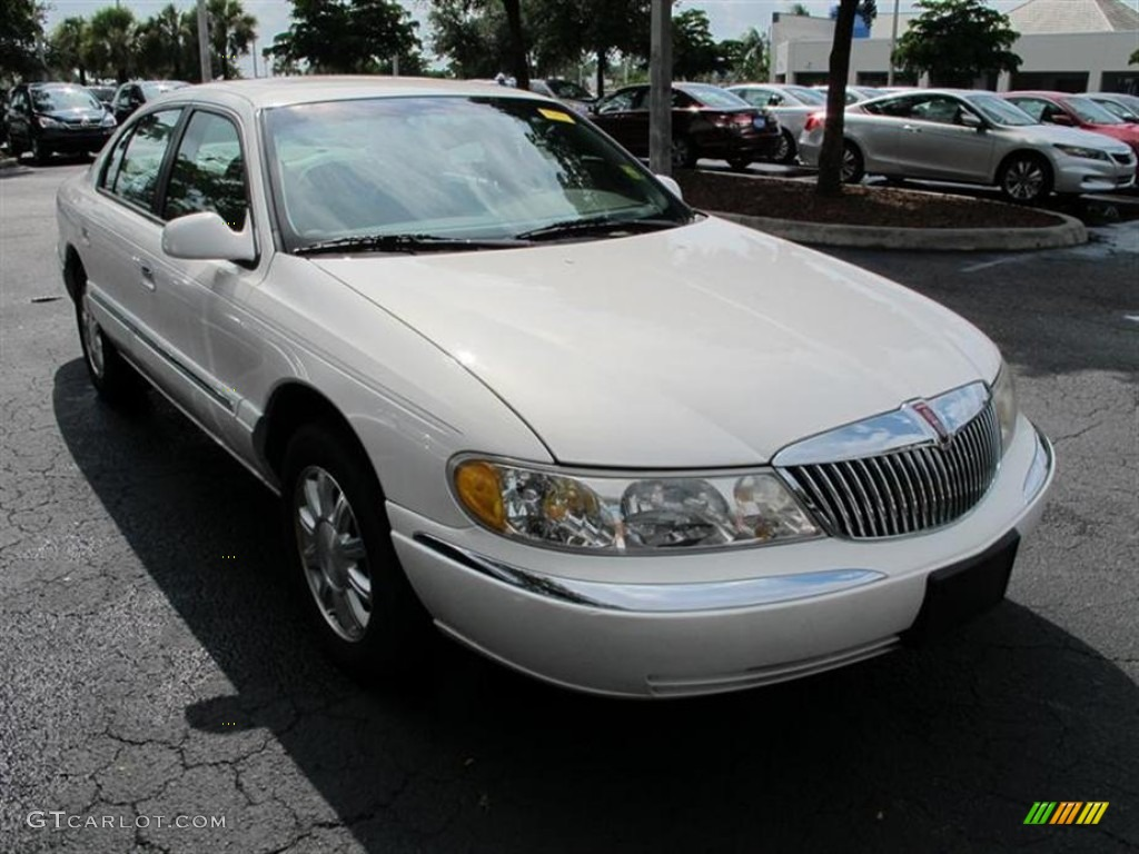 Vibrant White 2000 Lincoln Continental Standard Continental Model Exterior Photo 53912431