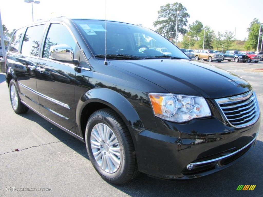 brilliant black crystal pearl 2012 chrysler town country. Black Bedroom Furniture Sets. Home Design Ideas