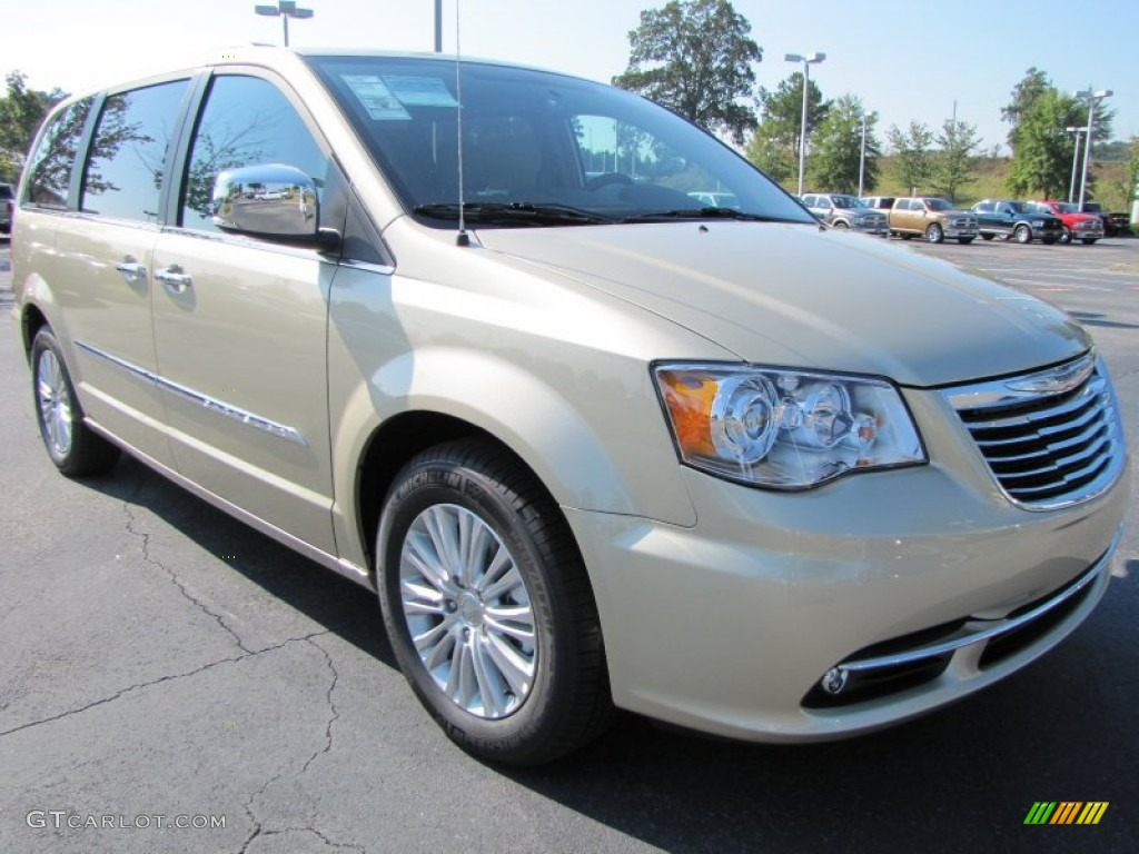 white gold metallic 2012 chrysler town country limited. Black Bedroom Furniture Sets. Home Design Ideas