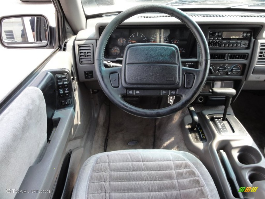 1995 Jeep Grand Cherokee Laredo 4x4 Interior Photo