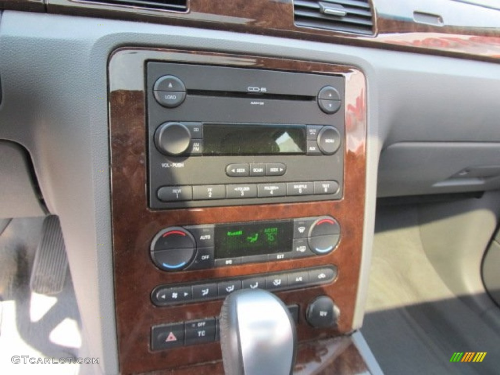 2005 Ford Five Hundred Sel Awd Audio System Photo