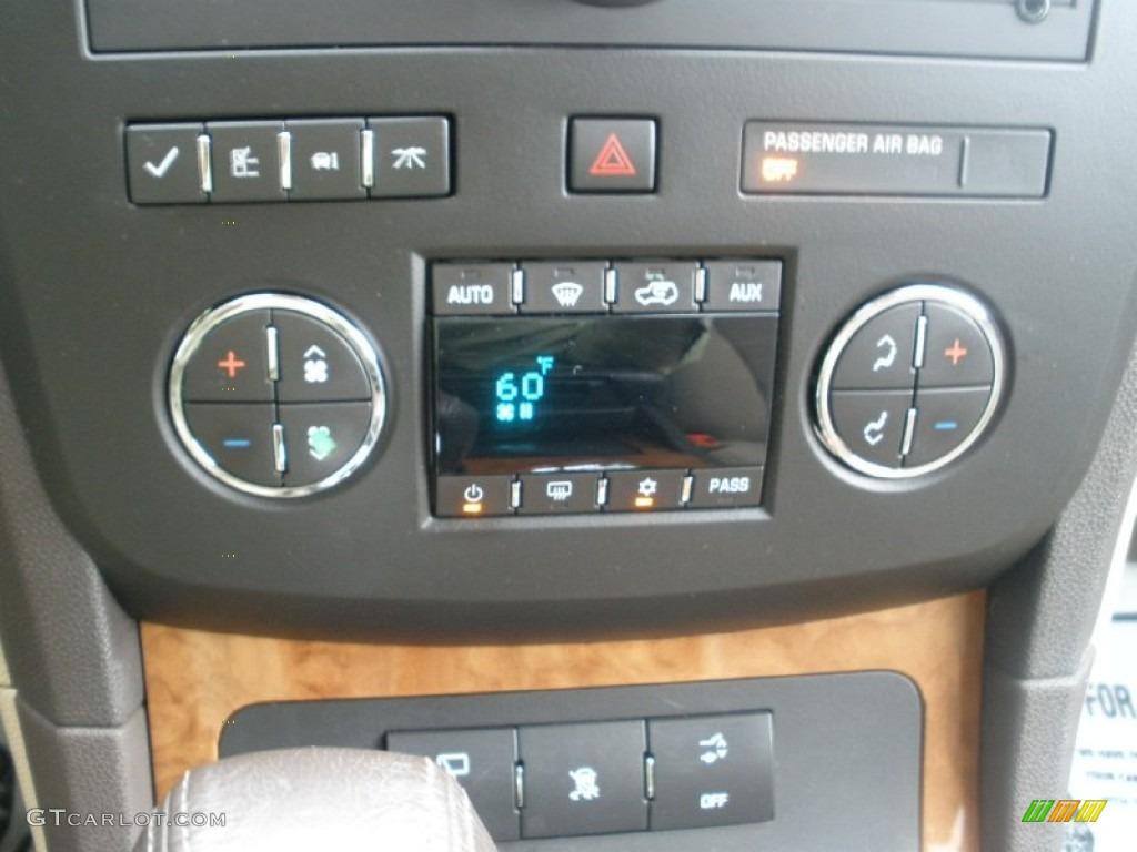 2008 Buick Enclave CX Controls Photo #54061361