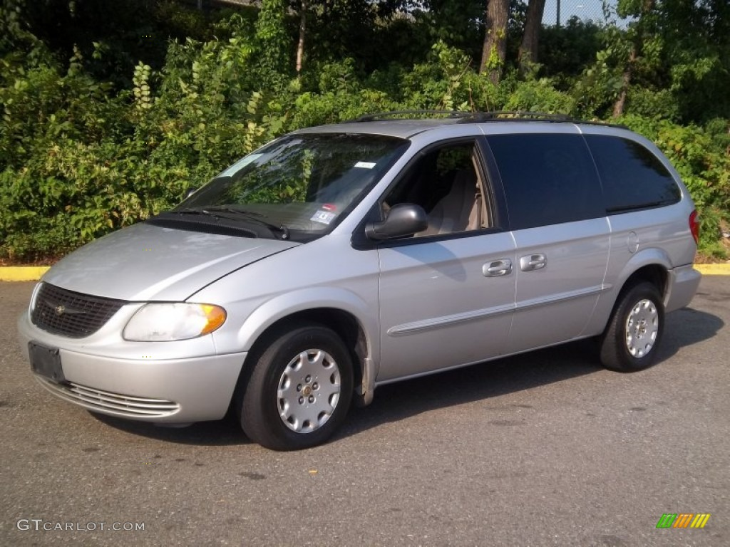 bright silver metallic 2002 chrysler town country el exterior photo. Cars Review. Best American Auto & Cars Review