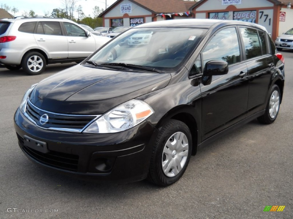 2010 super black nissan versa 1 8 s hatchback 53982884. Black Bedroom Furniture Sets. Home Design Ideas