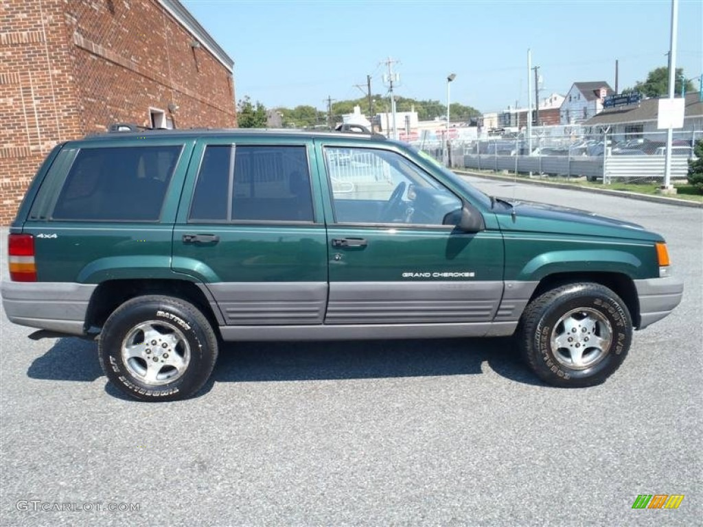 Good Moss Green Pearl 1997 Jeep Grand Cherokee Laredo 4x4 Exterior Photo  #54126495