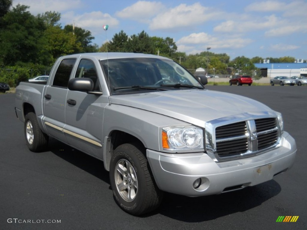 Bright silver metallic 2005 dodge dakota slt quad cab exterior photo 54150624 gtcarlot com