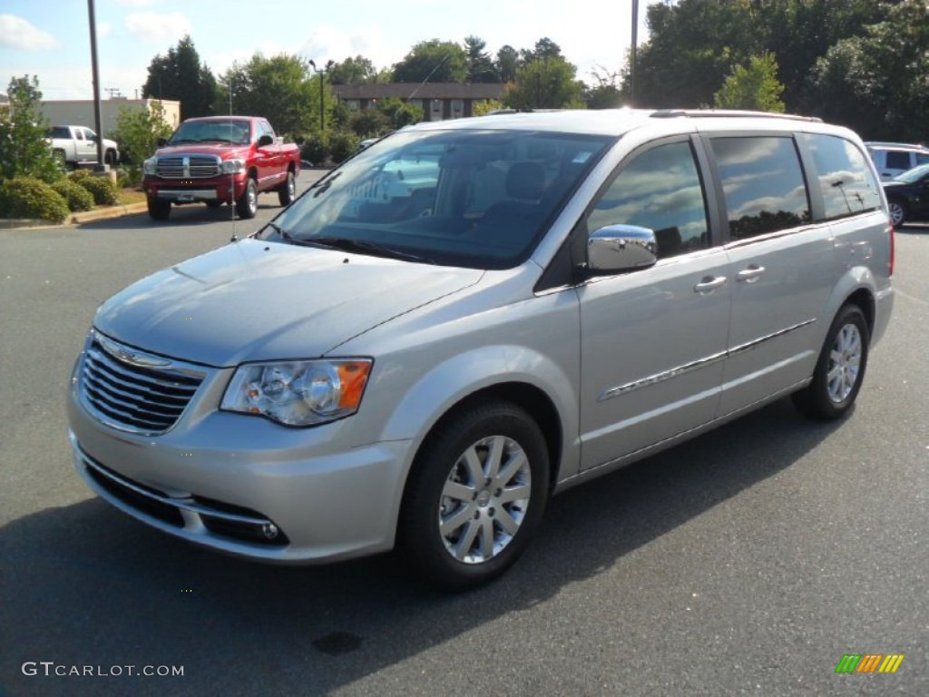bright silver metallic 2012 chrysler town country. Black Bedroom Furniture Sets. Home Design Ideas