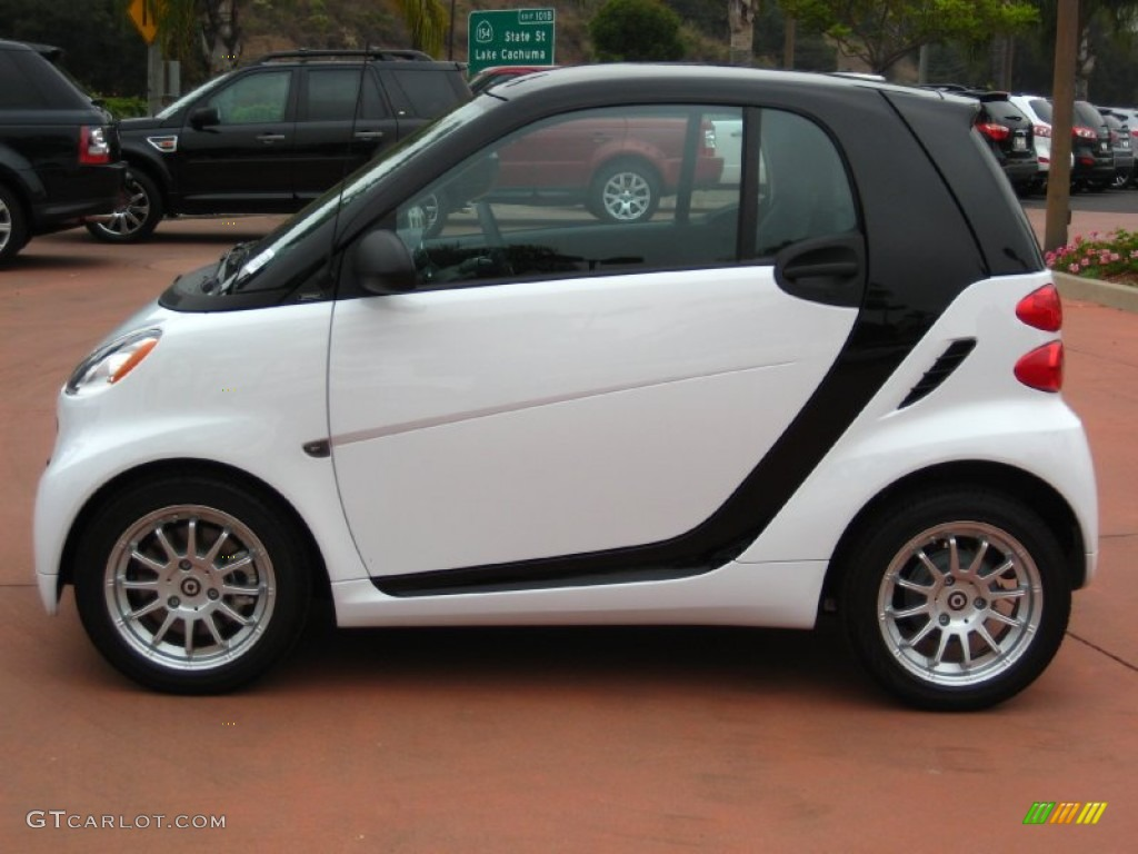 Crystal White 2011 Smart Fortwo Passion Coupe Exterior