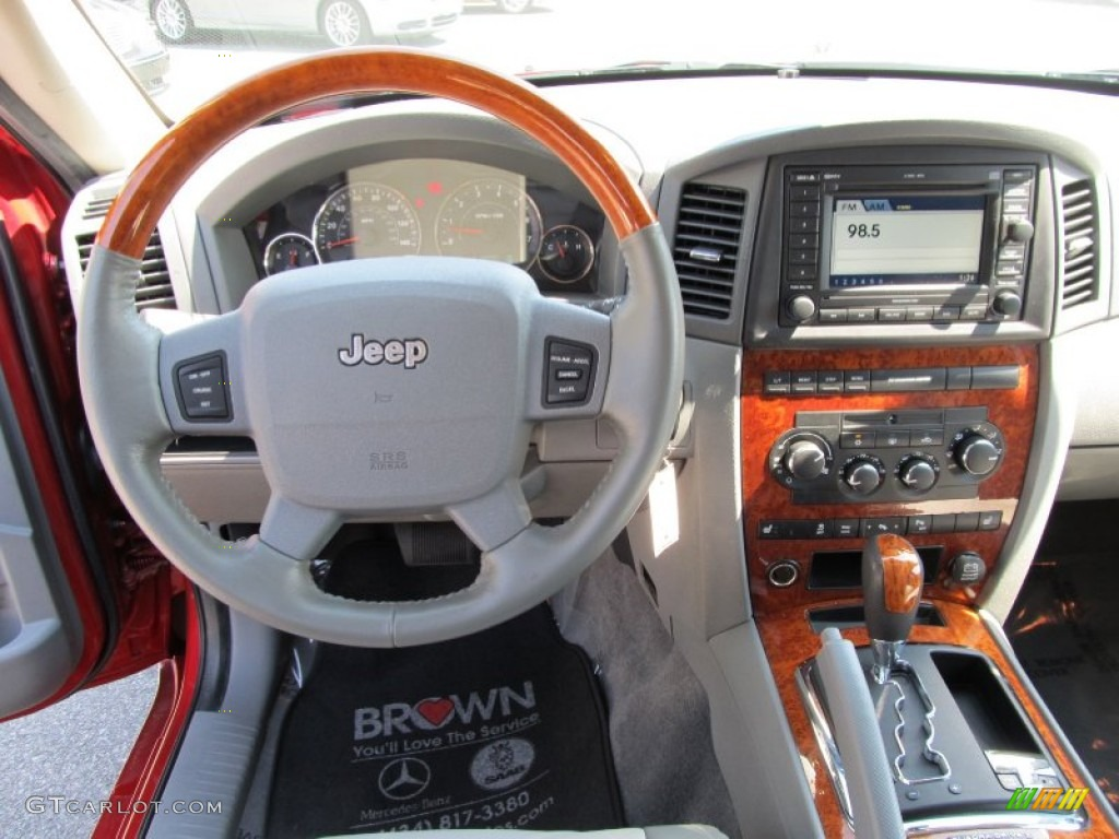 2006 Jeep Grand Cherokee Overland 4x4 Medium Slate Gray Dashboard Photo  #54180661
