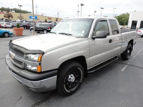 2005 Chevrolet Silverado 1500 Extended Cab 4x4 Data, Info and Specs