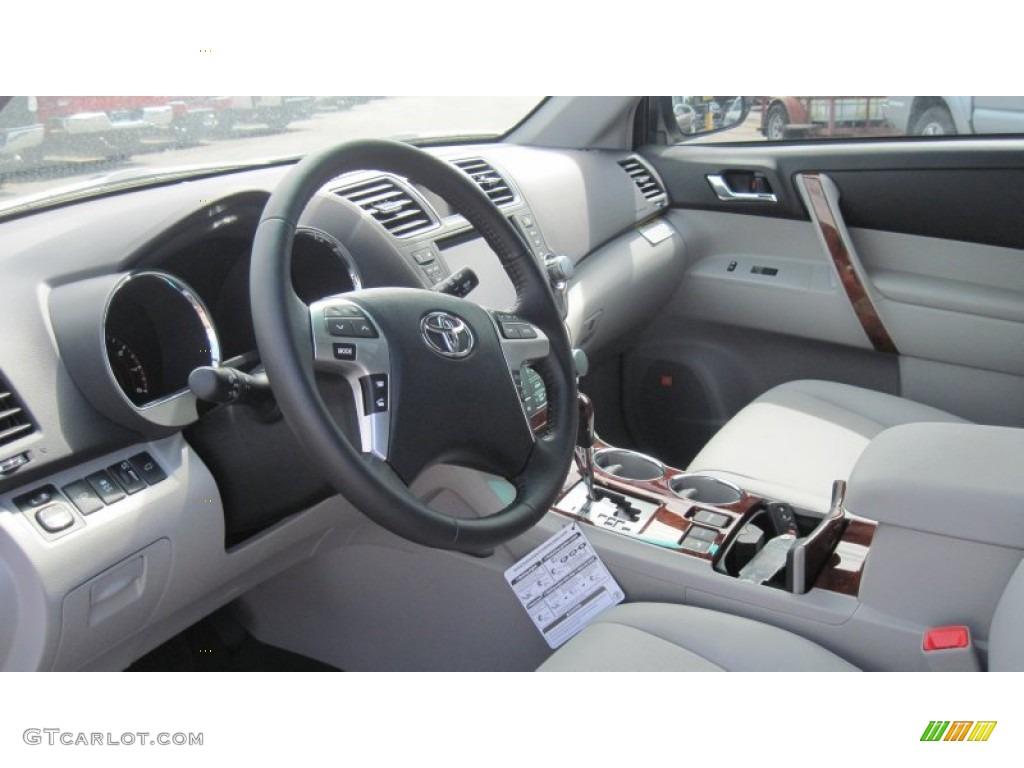 Ash Interior 2012 Toyota Highlander Limited 4wd Photo 54333822