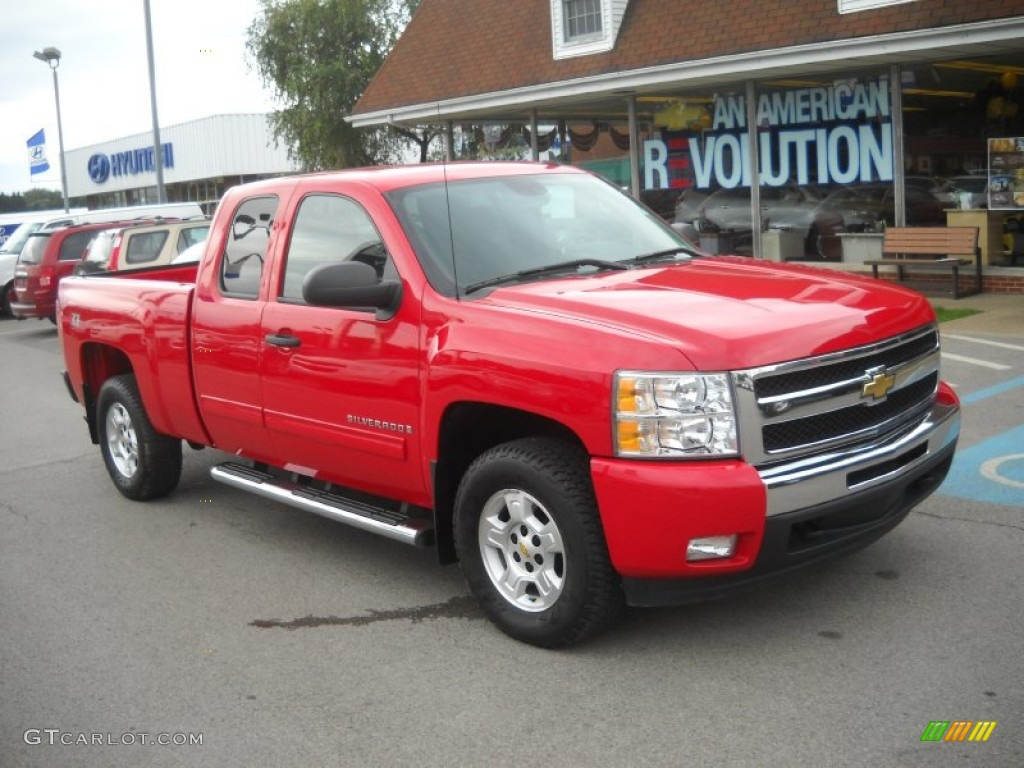 2009 Silverado 1500 LT Extended Cab 4x4 - Victory Red / Ebony photo #1