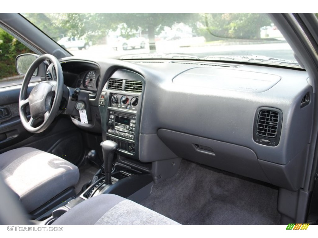 Original as well  moreover Nissan Altima S Pic X likewise C D E likewise Px Nissan Maxima P. on 1995 nissan pathfinder interior