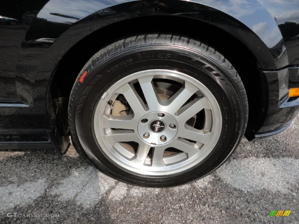 2006 Ford Mustang GT Premium Coupe Wheel Photo #54437640
