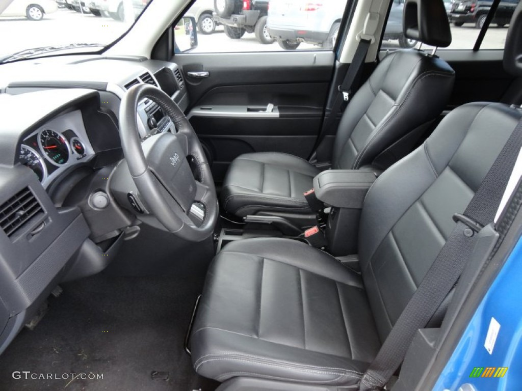 Dark slate gray interior 2008 jeep patriot limited photo for Dark grey interior