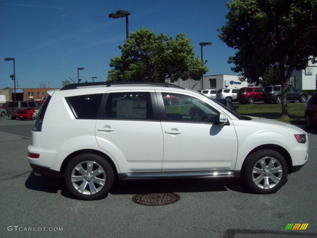 diamond white pearl 2012 mitsubishi outlander se exterior photo 54529176 - 2012 Mitsubishi Outlander Se
