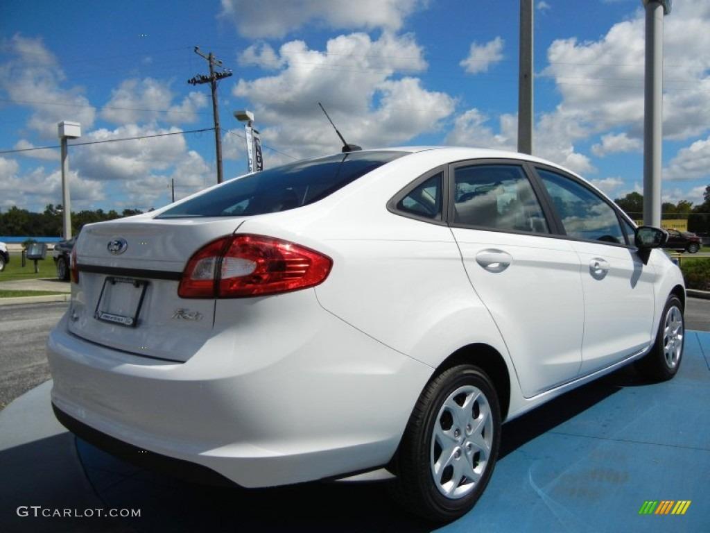Ford Focus 2010 Sedan White