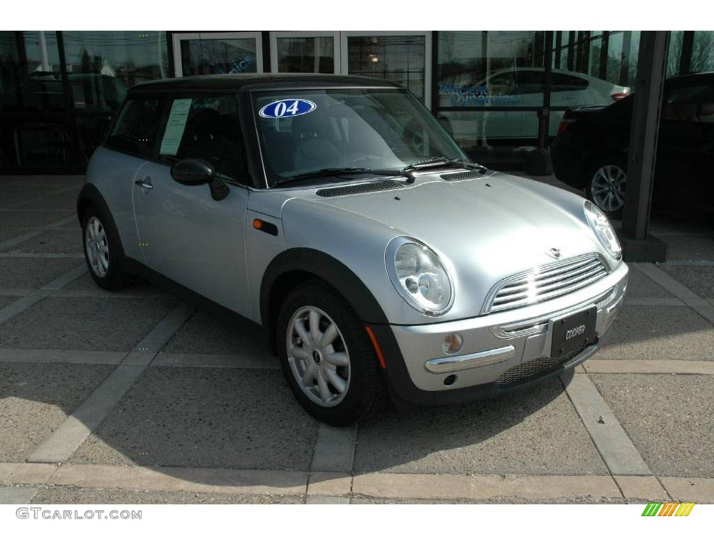 2004 pure silver metallic mini cooper hardtop 5438553. Black Bedroom Furniture Sets. Home Design Ideas