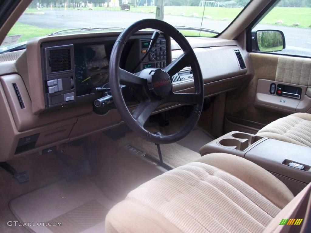 Tan Interior 1993 Chevrolet Suburban K1500 4x4 Photo 54723958