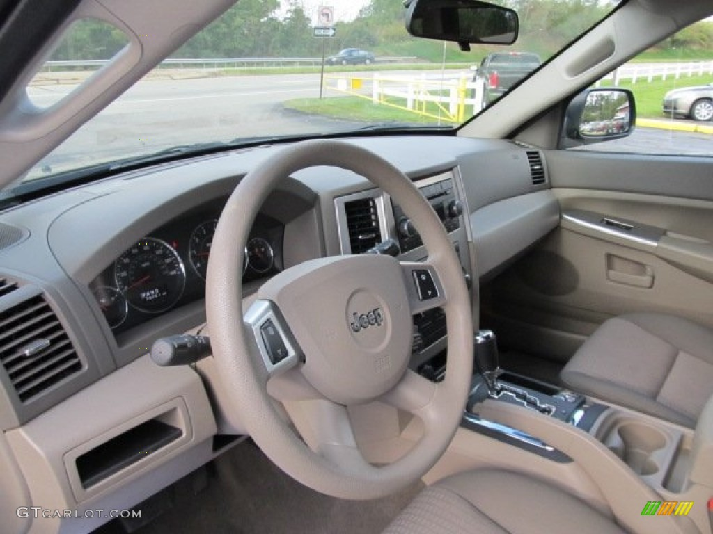 2008 Jeep Grand Cherokee Laredo 4x4 Interior Photo 54751312