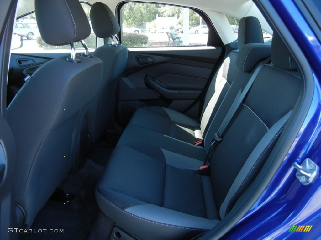 2012 Focus SE Sedan - Sonic Blue Metallic / Charcoal Black photo #6