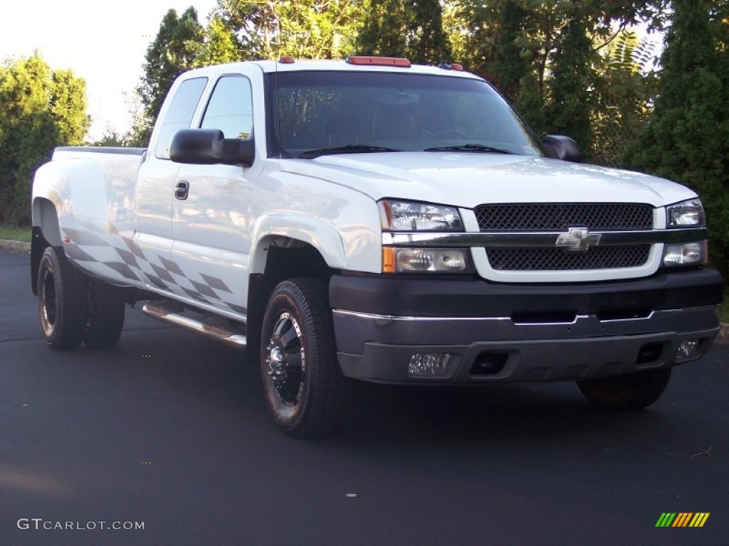2003 Silverado 3500 LT Extended Cab 4x4 Dually - Summit White / Dark Charcoal photo #2