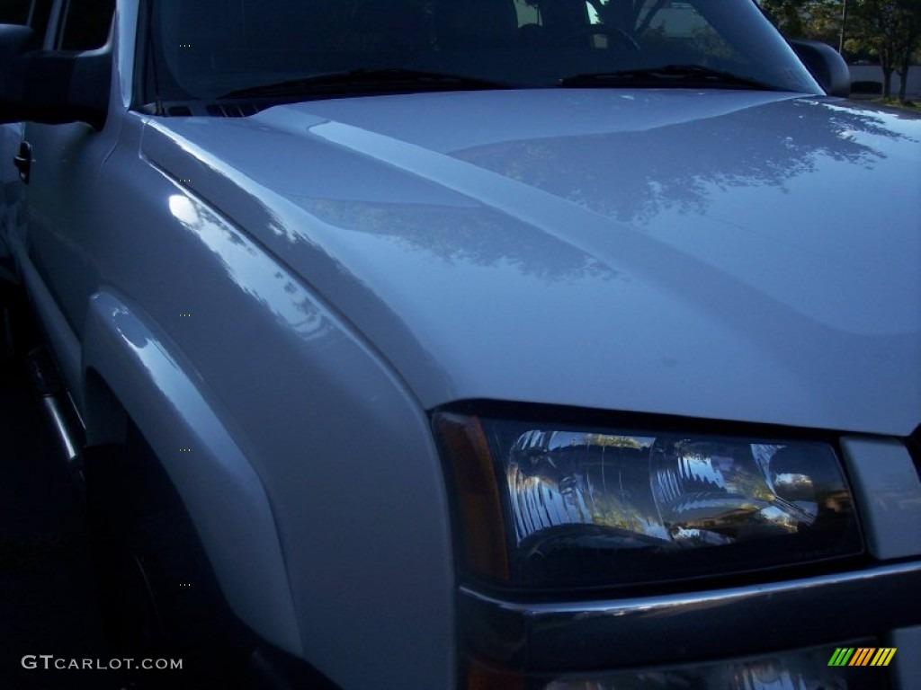 2003 Silverado 3500 LT Extended Cab 4x4 Dually - Summit White / Dark Charcoal photo #15